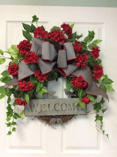 39 Awesome Fall Decoration for Front Door - Dekoration Style Summer Door Wreaths, Holiday Wreaths, Holiday Decor, Winter Wreaths, Spring Wreaths, Christmas Wreaths For Front Door, Prim Christmas, Wreath Crafts, Diy Wreath