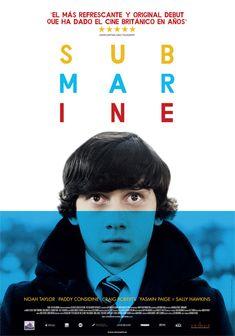 """""""Submarine"""" /  Richard Ayoade. Oliver Tate es un peculiar joven de 15 años de edad que tiene dos objetivos: perder su virginidad antes de su próximo cumpleaños e impedir que su madre deje a su padre para irse con su antiguo amor del instituto."""