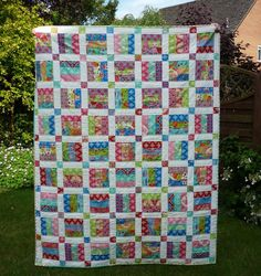 This is a PDF quilt pattern using pre-cuts This is an easy quilt pattern for the beginner quilter. The jelly roll pattern includes 6 sizes from baby to king size quilt. The pattern uses a jelly roll (or 2 for larger sizes) plus a solid fabric for the background. It is an easy beginner