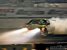 """Learn how to properly """"drift"""" a car!"""