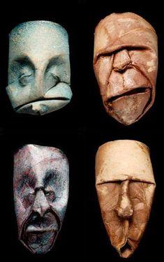 visages en rouleaux de papier toilettes  par Junior Fritz Jacquet