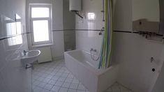 #Mietwohnung  2er WG tauglich mit großen  #Wannenbad und Fenster  #Wohnk... Das Hotel, Alcove, Bathtub, Bathroom, Berlin, Instagram, Videos, Bathroom Remodeling, Windows Decor