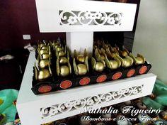 Bombom de nutella personalizado com o pomo dourado. #festaHarryPotter