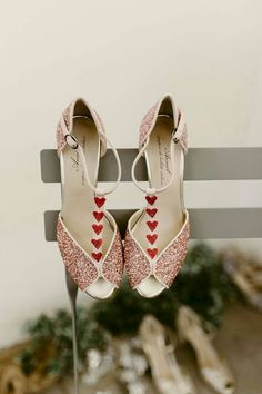 anniel wedding shoes - The Love Affair 2017 Source by bennipando women shoes Wedding Shoes Bride, Bride Shoes, T Bar Shoes, Shoes Tennis, Women's Shoes, Dance Shoes, Butterfly Heels, Altra Shoes, T Strap Shoes
