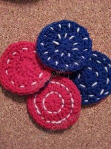 Reversible Coasters with Contrast Stitching Crochet Pattern - free easy coasters crochet pattern from cRAfterChick.com