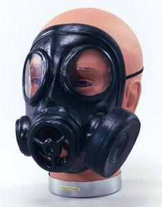 GAS-MASK-WORLD-WAR-1-2-BLITZ-EVACUEE-RUBBER-FANCY-DRESS-COSTUME