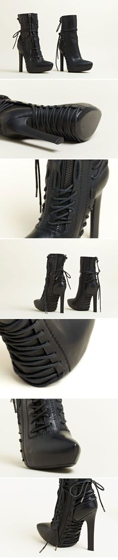Love the lace detail on these boots <3