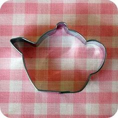 Kate Landers Events, LLC: Bake It Pretty {Tuesday Giveaway} and {Preferred Sponsor Spotlight} Teapot Cookies, Iced Cookies, Cute Cookies, Diy Cookie Cutter, Pink Dishes, Tea Tray, Vintage Cookies, Fun Cup, Tea Recipes