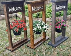 Diy Wood Projects, Outdoor Projects, Wood Crafts, Woodworking Projects, Outdoor Decor, Balcony Planters, Hanging Planters, Balcony Railing, Garden Crafts