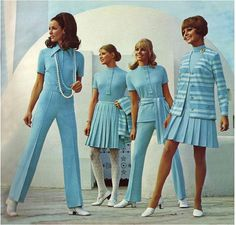 circa 1970 fashion looks 60s Fashion Trends, 60s And 70s Fashion, 70s Inspired Fashion, Seventies Fashion, Vintage Fashion, Modern 60s Fashion, 1960s Trends, Fashion Ideas, Decades Fashion