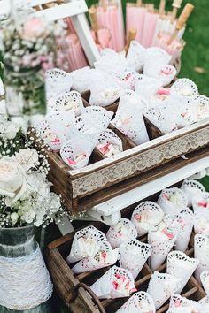 Streukörbchen für Hochzeit mieten | weddstyle