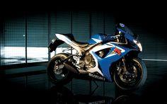 Suzuki GSX-R750 wallpaper