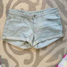 Light wash denim shorts Comfy light wash denim shorts from h&m. Not sure of size but would fit 8-10 is my guess. Worn once H&M Shorts Jean Shorts