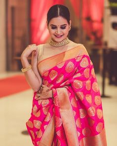 A banarasi saree paired with a choker and a gajre waala bun - love this bridesmaid look sported by in a wedding recently! A banarasi saree paired with a choker and a gajre waala bun - love this bridesmaid look sported by in a wedding recently! Bridal Lehenga, Saree Wedding, Wedding Dresses, Saree Hairstyles, Saree Jewellery, Indian Bridal Fashion, Stylish Sarees, Saree Look, Banarasi Sarees