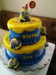 Minion tiered cake
