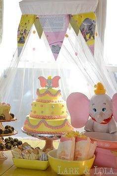 Dumbo themed birthday party or baby shower party would be cute too! Dumbo Birthday Party, Circus Birthday, Baby Birthday, Birthday Party Themes, Mickey Birthday, Birthday Ideas, Circus Party, Baby Shower Parties, Baby Shower Themes