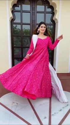 Casual Indian Fashion, Pakistani Fashion Party Wear, Pakistani Dresses Casual, Indian Fashion Dresses, Pakistani Dress Design, Indian Designer Outfits, Fashion Outfits, Indian Bridal Outfits, Indian Bridal Fashion