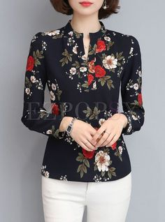 Brief Print V-neck Long Sleeve Blouse - Blusas - Pins Für Deutsche Urban Outfits, Mode Outfits, School Outfits, Blouse Styles, Blouse Designs, Mode Pop, Mode Online, Blouse Online, Shirts Online