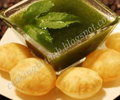 Pani Puri (Mouth-watering & irresistible! India's most popular roadside snack)