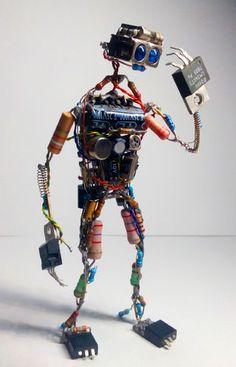 Electronic Components Art: 3 Steps The heritage - Mexican Metal Yard Art Tech Art, Arte Tech, Electronics Projects, Diy Electronics, Electronics Components, Electronics Accessories, Arte Robot, Robot Art, Robots