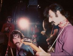 Very Rare!! - Frank Zappa and Pink Floyd (Nick Mason) in: 'Interstellar Overdrive' from' e Piper at the Gates of Dawn, Album of 1967 - Live with Frank Zappa to guitar (25/10/1969).