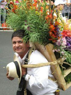 Medellin . Feria de las flores.  Silleteros