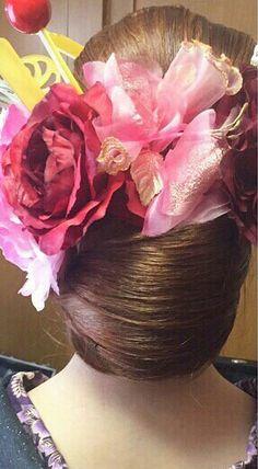 Low Buns, Hair Dos, Crown, Japan, Beautiful, Up Dos, Corona, Low Hair Buns
