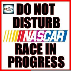 #NASCAR fans be like... pic.twitter.com/ykYwT3jUMq