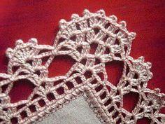 By Mariza Crochet Designer: Barradinhos crochet … alguns com gráficos. Crochet Edging Patterns, Crochet Lace Edging, Crochet Borders, Crochet Cross, Knit Crochet, Knitting Patterns, Knitting Projects, Crochet Projects, Hairpin Lace Crochet