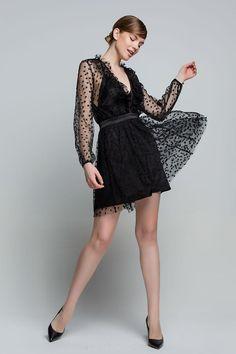 Κοντό φόρεμα από τούλι και αστεράκια