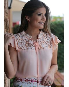 Love Fashion, Girl Fashion, Fashion Dresses, Womens Fashion, Blouse Styles, Blouse Designs, Sewing Blouses, Formal Tops, Feminine Style