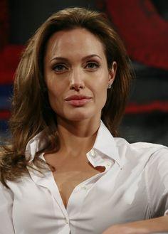 Angelina Jolie - Beowulf Press Conference - Photo 14   Celebrity Photo Gallery   Vettri.Net