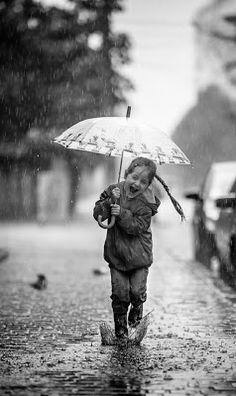 Rain Photography with kids. so me except I would have dropped the umbrella LOVE the rain! Walking In The Rain, Singing In The Rain, I Love Rain, Rain Dance, Under My Umbrella, Rain Umbrella, Umbrella Girl, Rain Photography, Rain Drops