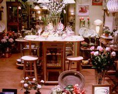 Escaparate CAPELLA Decoración año 2006 www.capelladecoracion.com