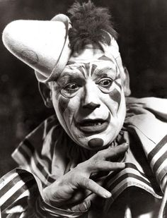 Lon Chaney - Laugh Clown Laugh - 1928