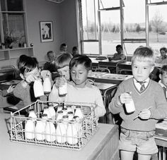 School milk> How I hated those small pint bottles of warm milk. Have never been able to drink milk since my junior school days. 1970s Childhood, My Childhood Memories, Sweet Memories, Childhood Toys, Nostalgic Images, Old Family Photos, Vintage School, Vintage Kids, Vintage Stuff