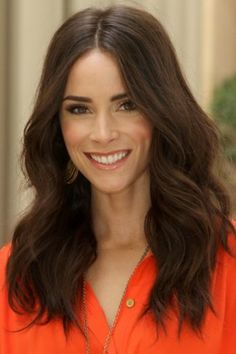 50 Types Abigail Spencer Hairstyle How To Get Hair Like Abigail Spencer To twist the hair with a hair curler, hot rollers. Draw one bit of hair and position your hair closes at the base of the hair curler and afterward fol. Work Hairstyles, Popular Hairstyles, Natural Hairstyles, Hairstyle Ideas, Abigail Spencer Hair, Hair Inspo, Hair Inspiration, Medium Hair Styles, Curly Hair Styles