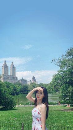 Yg Entertaiment, Sakura Miyawaki, Meme Faces, Ulzzang Girl, Korean Girl Groups, One Pic, Girl Crushes, Kpop Girls, Asian Beauty