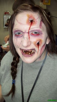 Scary Halloween Makeup – Pic 2 of 30 | FunnyPica.com Soon Halloween… How we will celebrate Halloween This Year? Do not forget make a Great and Scary Makeup at This Halloween.