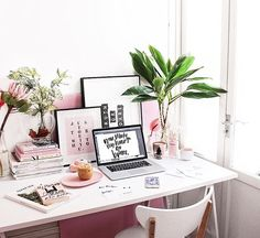 Desk via @tuliprim