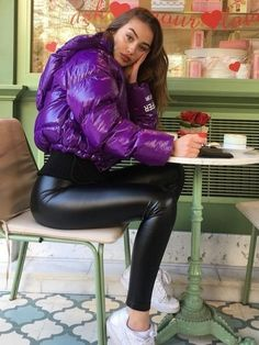 Wet Look Leggings, Shiny Leggings, Faux Leather Leggings, Bubble Jacket Outfit, Bomber Jacket Outfit, Lesbian Outfits, Cute Swag Outfits, Puffy Jacket, Leather Dresses
