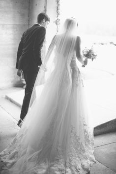 Kaileigh and Logan's Wedding at Olde Dobbin Station by Sarah McKenzie Photography - via Grey likes weddings