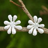 Wild Daisy from @NOVICA, They help #artisans succeed worldwide.