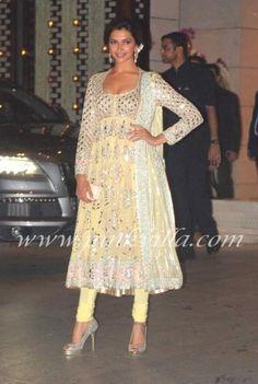 Deepika Padukone at the launch of book 'India Fantastique'   PINKVILLA