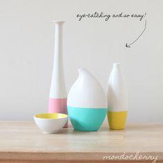 A small bite of mondocherry: diy 'dipped' vases...   eenvoudige witte vazen, verfkleur: kleur van het salon.