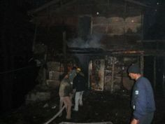 nice A good old building near IG office shimla burnt down to ashes