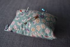 Pique-aiguilles fleuri #cushion #pillow #homemade #handmade  #indoor #lifestyle