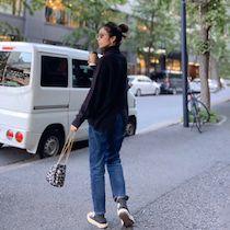質問のお返事♡ストールの巻き方 | Sayakaオフィシャルブログ「Sayaka's Diary」Powered by Ameba Normcore, Style, Fashion, Scarf Tieing, Swag, Moda, Stylus, Fashion Styles, Fashion Illustrations