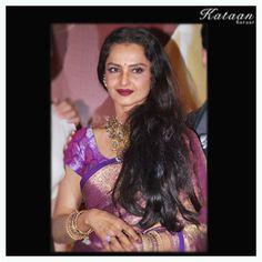 Vidya Balan's Sabyasachi Saree Collection Manish Malhotra Saree, Kareena Kapoor Saree, Sabyasachi Sarees, Bollywood Saree, Handloom Saree, Indian Bridal Sarees, Indian Beauty Saree, Crepe Saree, Cotton Saree