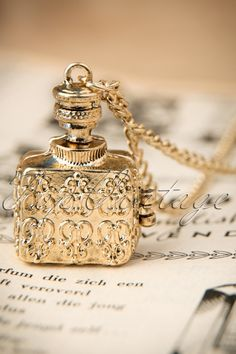 From Paris with Love! - 30s My Vintage Fragrance Necklace